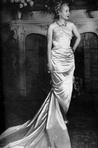 Evita modeling