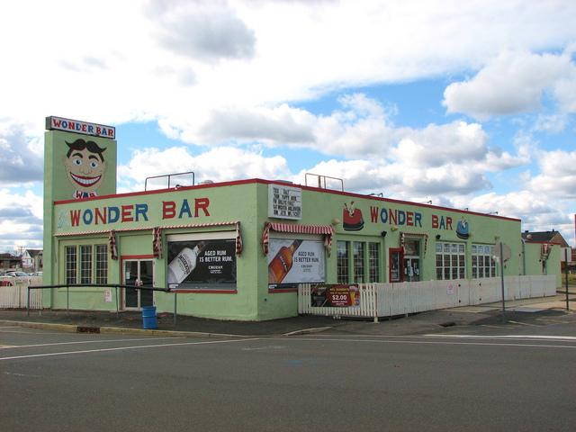 Rock bar/club Wonder Bar opens in Asbury Park