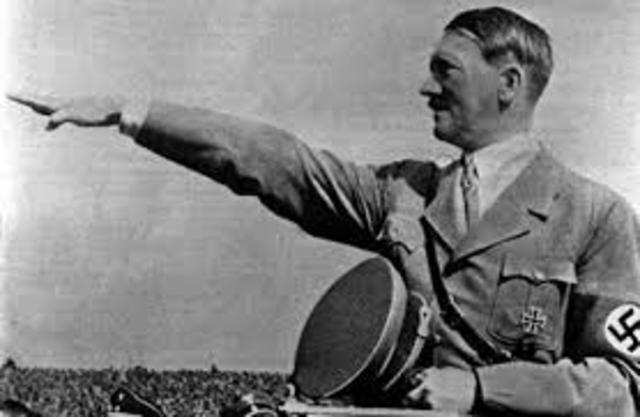 Stalin and Hitler Sign Nonaggression Pact