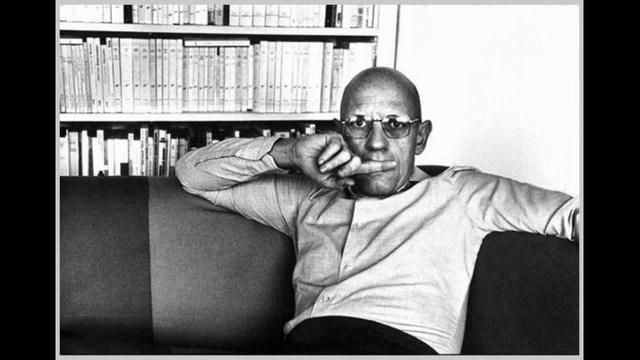 "M. Foucault publica "" Historia de la locura en la época clásica """