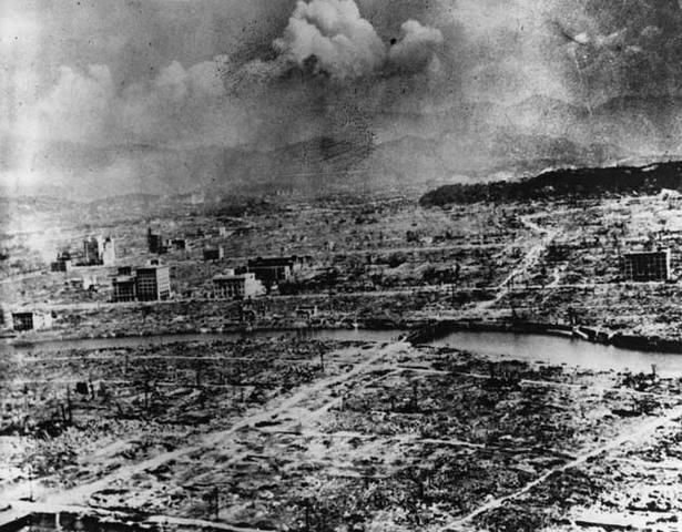 U.S. drops second atomic bomb
