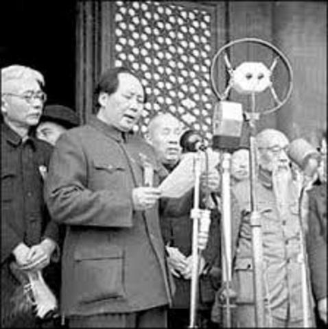 Mao announces the establishment of the People's Republic of China