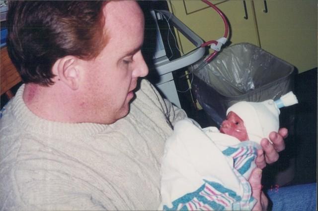 Hace 9 de deciembre de 1999 que yo fue nací