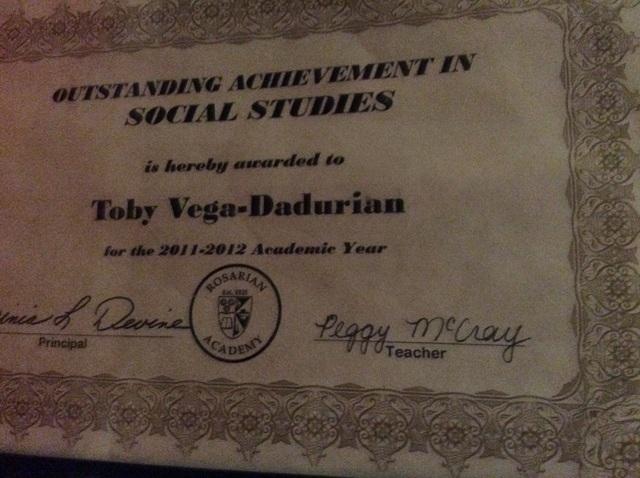 Diciembre 13, 2013: Hace tres años en diciembre yo gané logro excepcional en Ciencias Sociales en sexto grado.