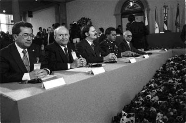 FMLN hace negociación para dar fin a la Guerra