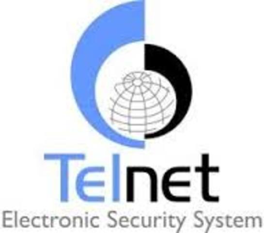 BBN abre Telnet, la primera version comercial de red ARPANET