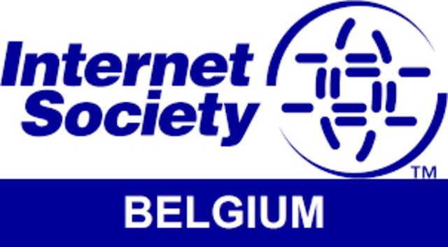 Se organiza la Internet Society (ISOC).