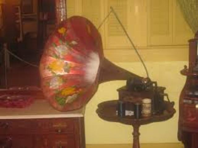 First Commercially succesful phonograph.