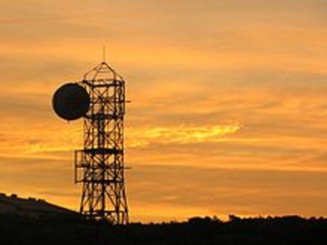 II Guerra Mundial provoca el auge de radio y desarrollo de microondas