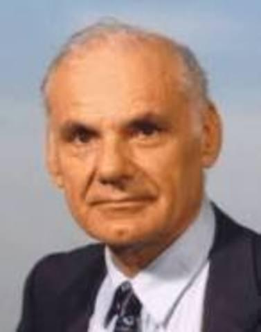 Larry G. Roberts persenta primer informe de ARPANET
