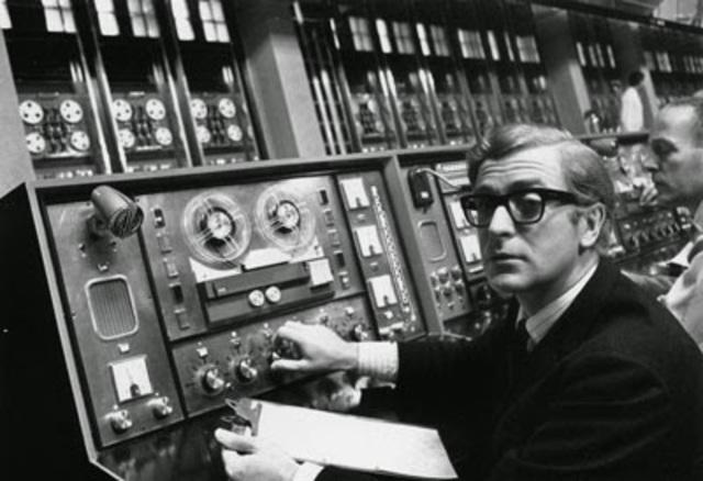 ARPANET se establece en UCLA, UCSB, U-Utah y Stanford