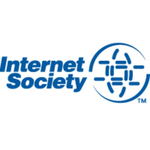 Se organiza la ISOC. La cantidad de hosts supera el millón