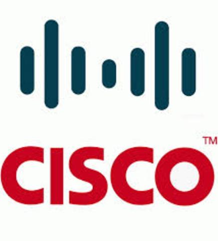 Se funda Cisco Systems; comienza el desarrollo de gateways y routers. Se introduce el servicio de denominación de Dominios