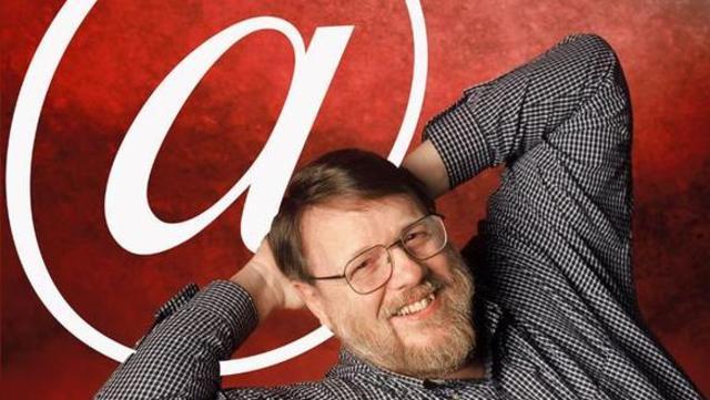 Ray Tomlinson  crea un programa de Correo Electrónico