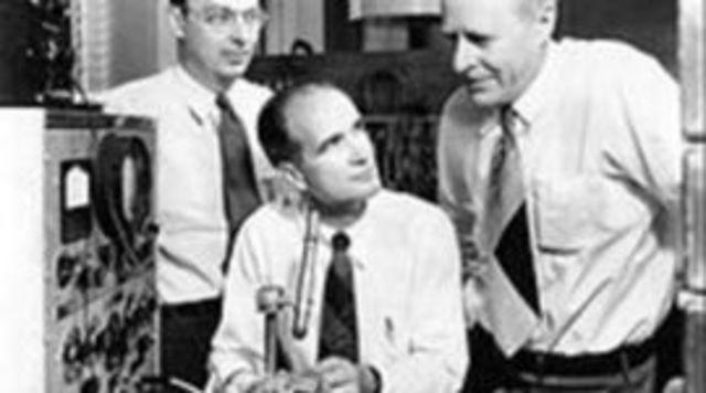 Invención del transistor de estado sólido (semiconductor)
