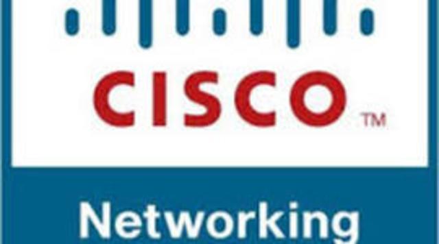 Cisco alcanza el 70% de las ventas a través de Internet y se lanzan las Academias de Networking.