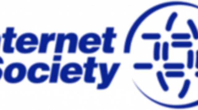 Se organiza la Internet Society (ISOC) y la cantidad de hosts de Internet supera el millón.