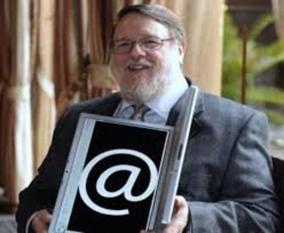 Ray Tomlinson Crea correo eléctronico