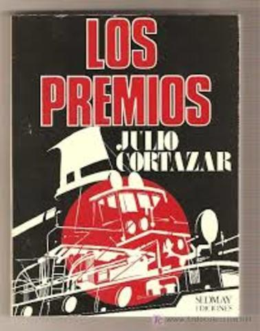 Viaja a Estados Unidos (Washington y Nueva York) y publica (Ed. Sudamericana) la novela Los Premios,