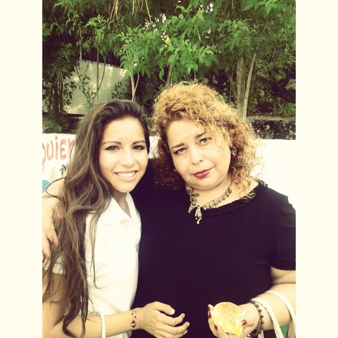 Con mi mamá el día de la madre del 2014
