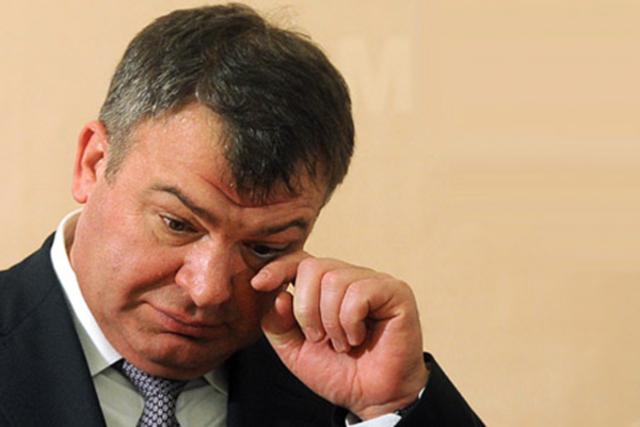 В суде допрошен Сердюков, давший лестные характеристики Васильевой