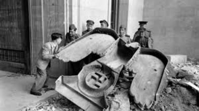 Rendició incondicional del Tercer Reich