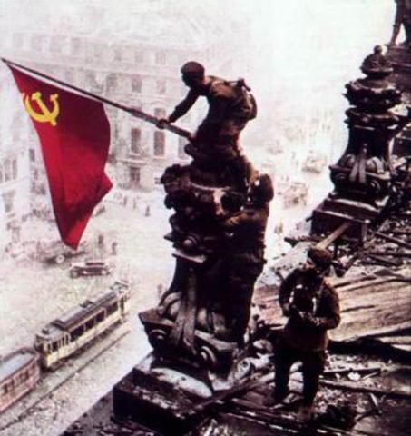 Tropes aliades arriben a Berlín