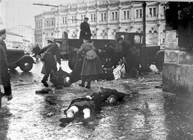 Comença el Setge de Leningrad