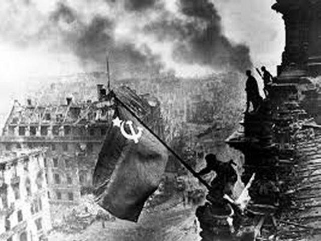 La Unió Soviètica envaeix Manxúria