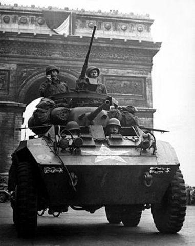 Arribada dels aliats a París