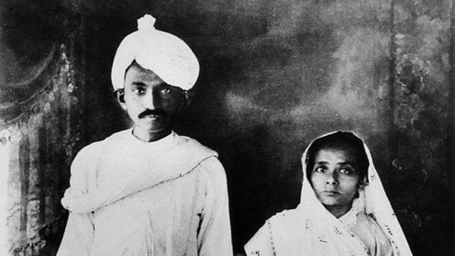 Gandhi returns to Bombay