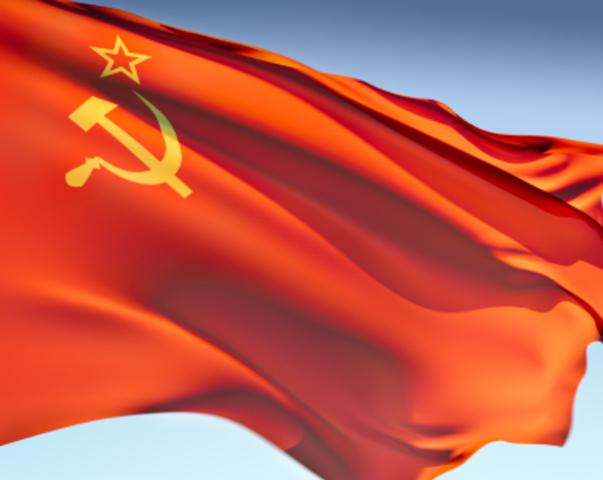 Sovjetunionen blir oppløst