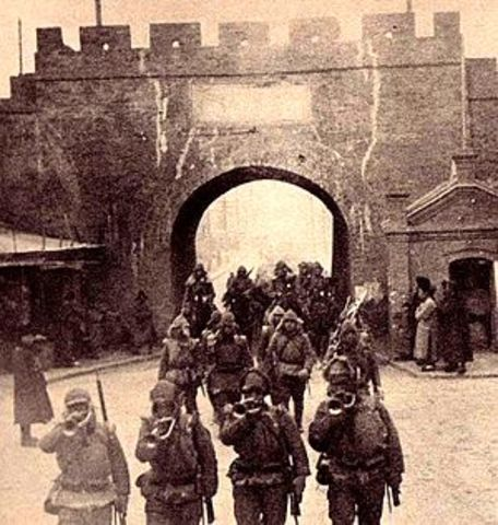 Japanese army occupies Chinese Manchuria