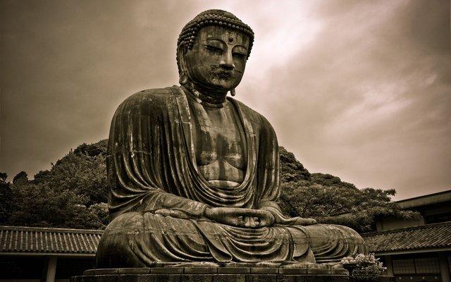 El budismo se convierte en la religión oficial de China.