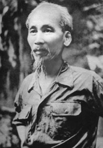 Ho Chi Minh establishes the Viet Minh