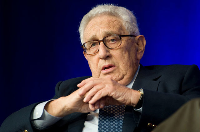 Bush appoints Henry Kissinger as chairman of 9/11 Commission