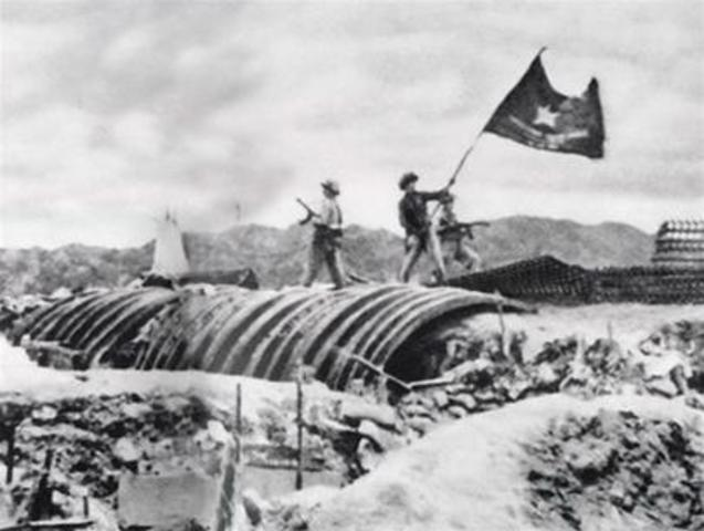 Last of French forces defeated in Vietnam