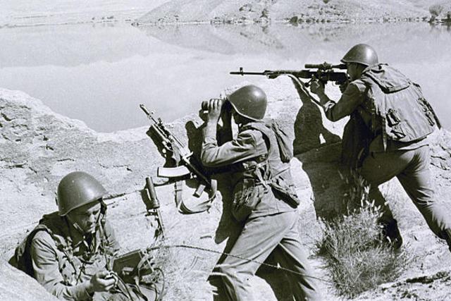 Russia invades Afganistan