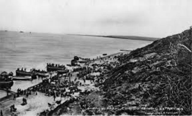 The allies start evacuation of Gallipoli