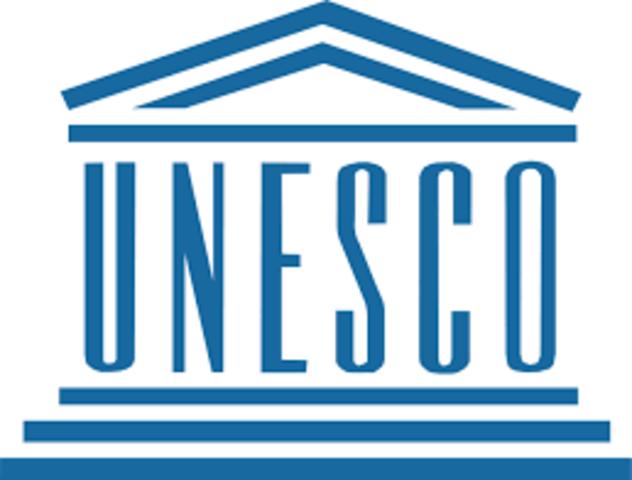 La UNESCO le da la importancia a las actividades de enseñanza e información sobre los problemas ambientales.