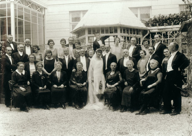 Otto Frank marries Edith Hollander
