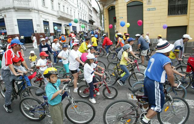 La ola de ciclistas crece