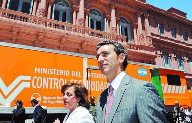 Randazzo remplaza color de la Agencia Nacional de Seguridad Vial (ANSV)