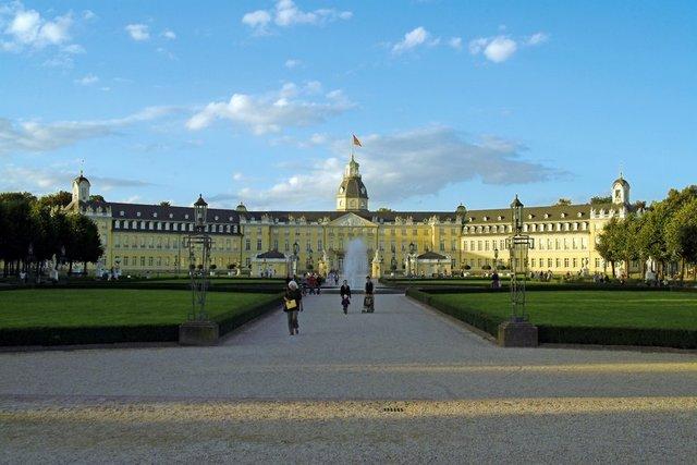 Joins Karlsruhe University
