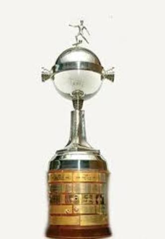 La Copa Sudamericana pasa a llamarse Copa Libertadores de América.