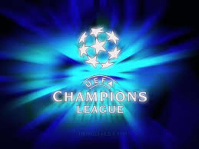 Se modifica el formato de la Copa de Europa: pasa a conocerse como Liga de Campeones de tal forma que ya no solo juega el primer clasificado de cada liga.