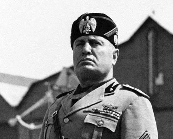 Muere Benito Mussolini