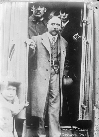 Francisco I. Madero cruza la frontera para ponerse al frente de la revolución.