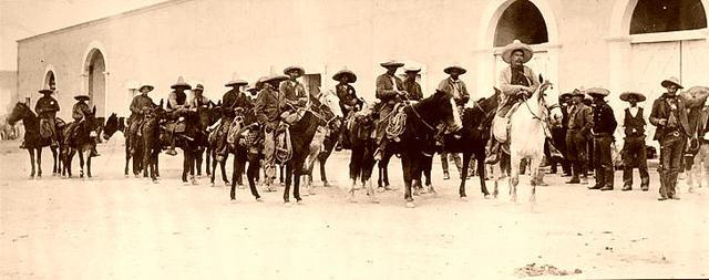 La División del Norte de Francisco Villa toma la ciudad de Torreón.