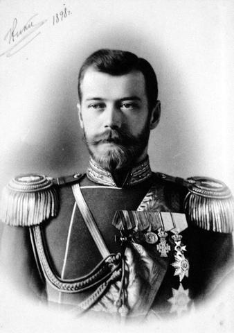 Tsaar moet aftreden